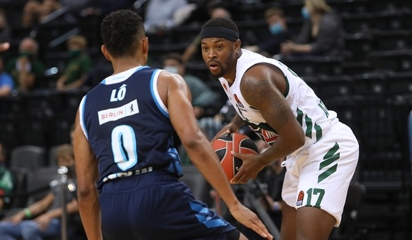 Panathinaikos beats ALBA in OT thriller