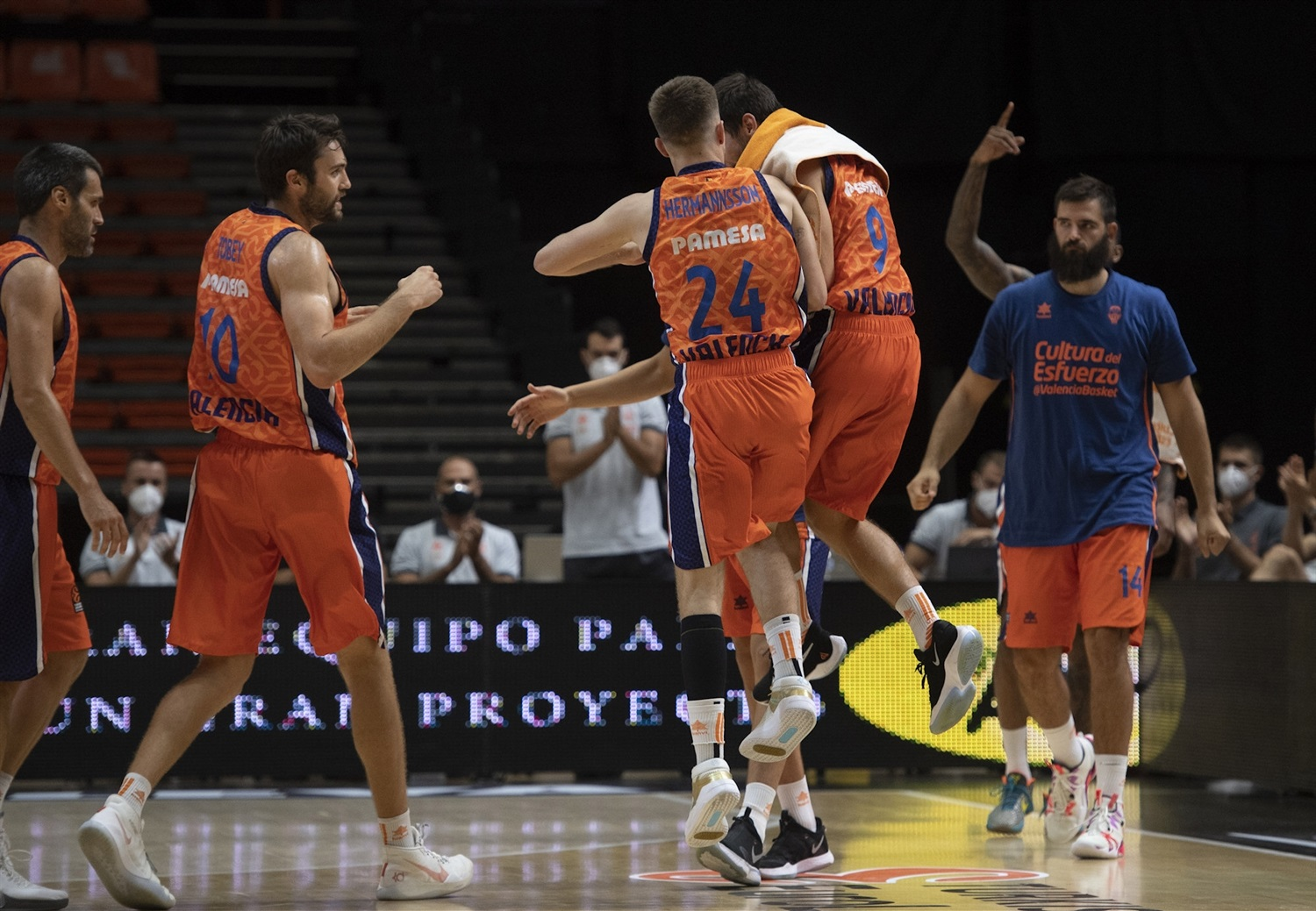 Martin Hermannsson celebrates - Valencia Basket - Preseason Tournament Valencia 2020 - EB20