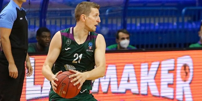 Waczynski celebrated birthday with big shots for Unicaja