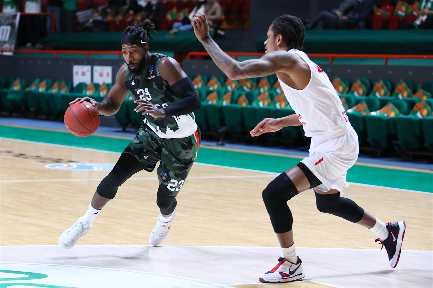 John Hollard - UNICS Kazan (photo UNICS) - EC20