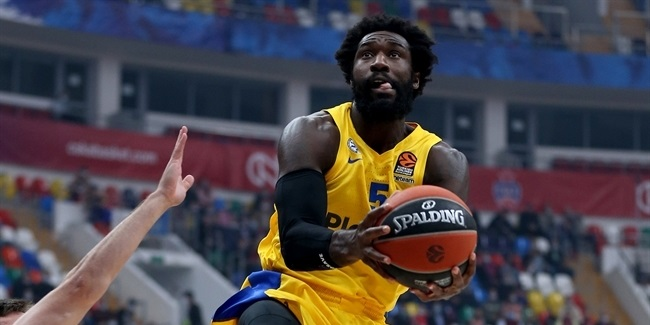 Maccabi: Hunter sidelined with cut to eye