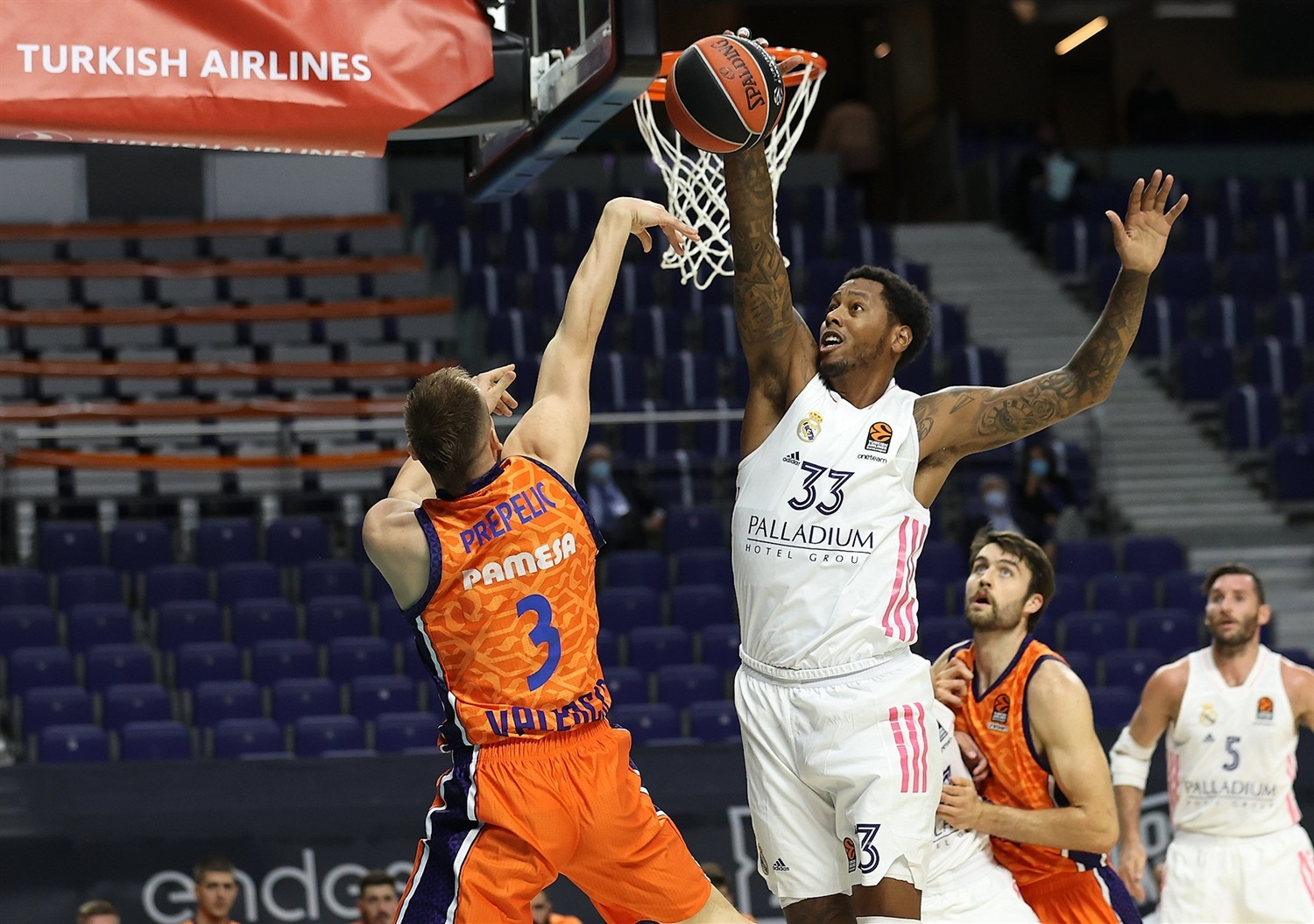 Trey Thompkins - Real Madrid - EB20