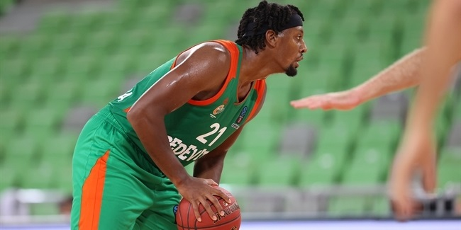 Jones boosted Olimpija to first win
