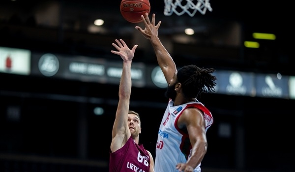 RS03 Report: Historic Lokomotiv steamrolls past Lietkabelis