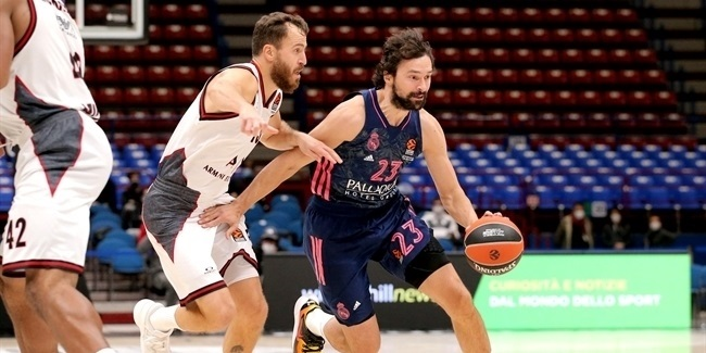 Real's Llull joins 3,000-point club!