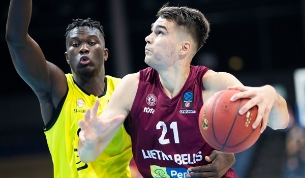 RS04 Report: Lietkabelis hangs on for first victory
