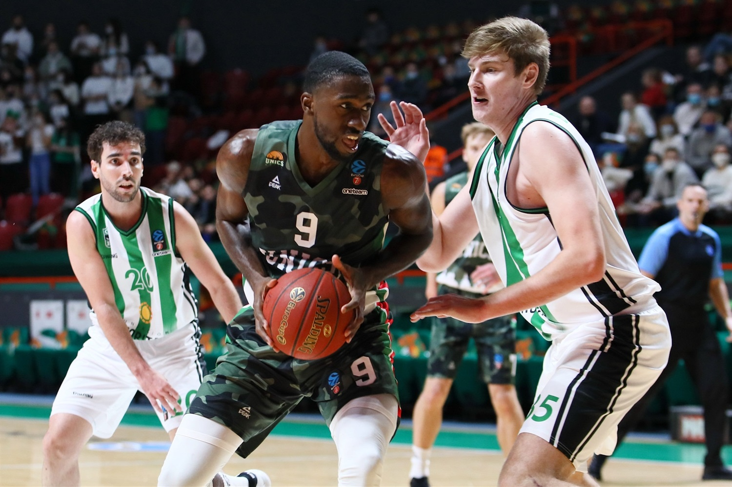 Okaro White - UNICS Kazan (photo UNICS - Kseniya Bogdanova) - EC20