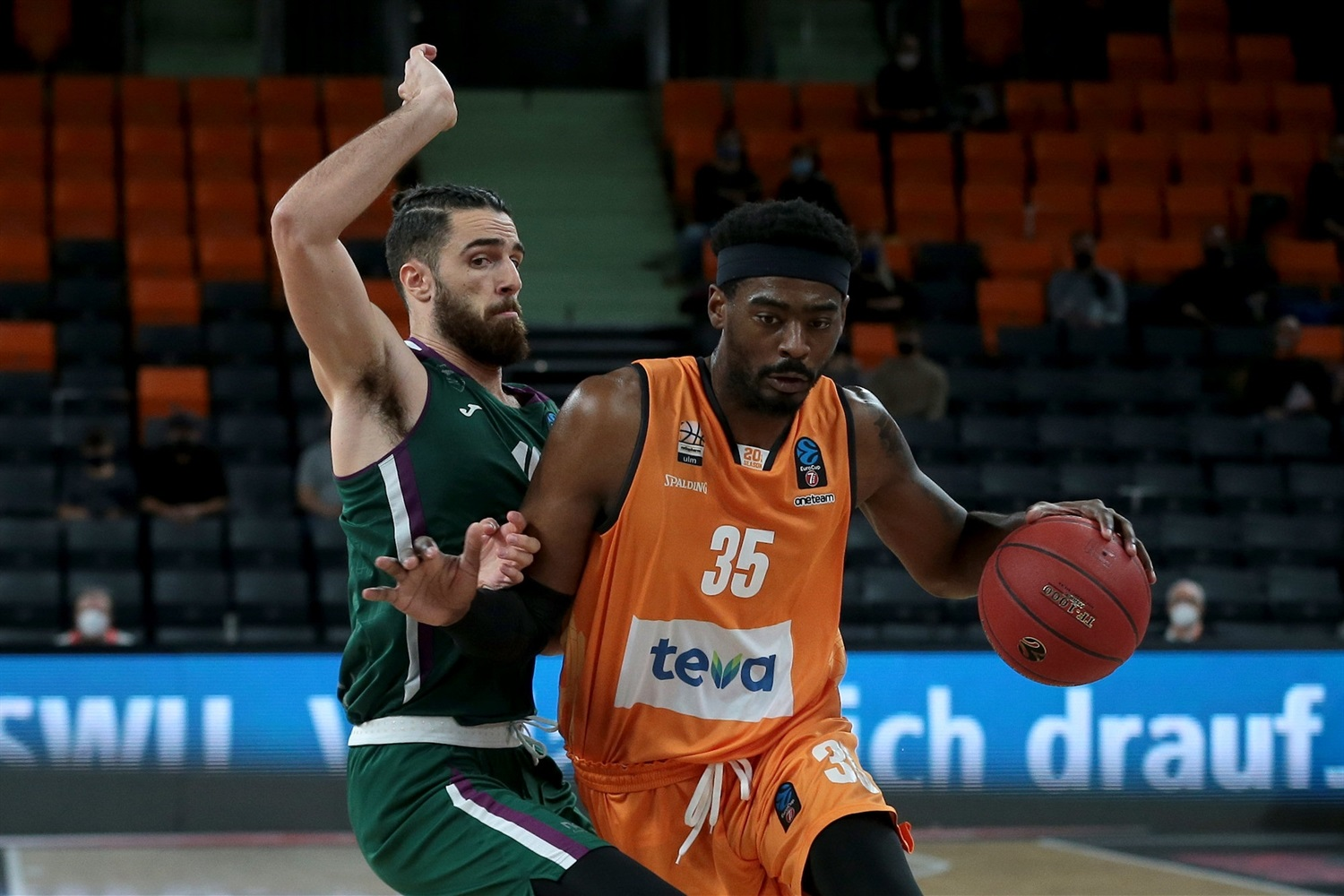 Aric Holman - ratiopharm Ulm (photo Ulm - Harry Langer) - EC20