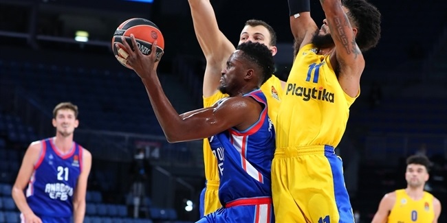 In the Paint – The sights and sounds of Efes's thrilling win over Maccabi
