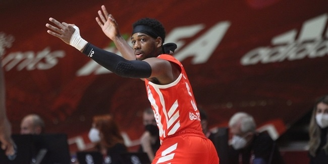 Loyd led Zvezda to stay perfect vs. Valencia
