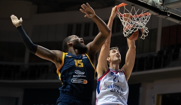 RS10 Report: Efes thrashes Khimki in Russia