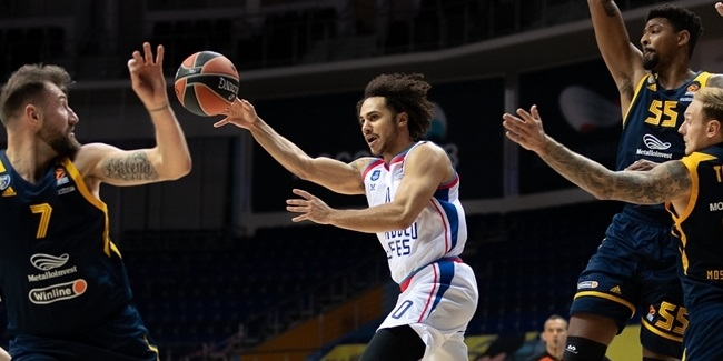With Larkin back, Efes rolled