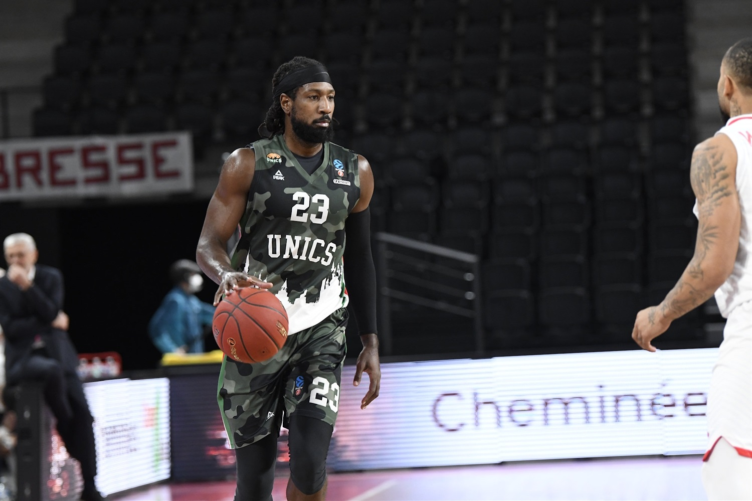 John Holland - UNICS Kazan (photo Bourg - Jacques Cormareche) - EC20