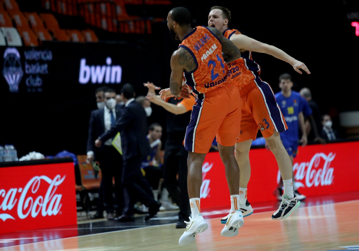 Valencia Basket celebrates - EB20