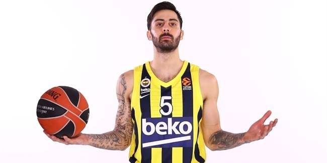 Fenerbahce's newest signing is hurt, too
