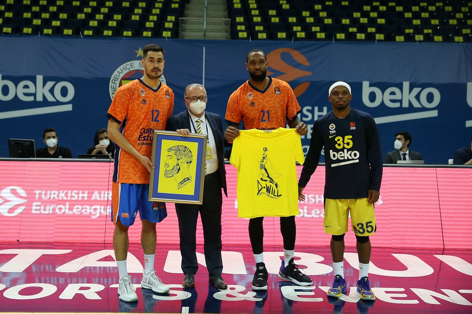 Nikola Kalinic and Derrick Williams return Istanbul - Valencia Basket - EB20