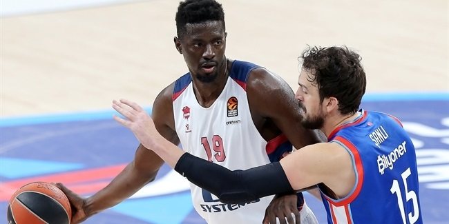 Baskonia's stellar frontcourt makes the difference
