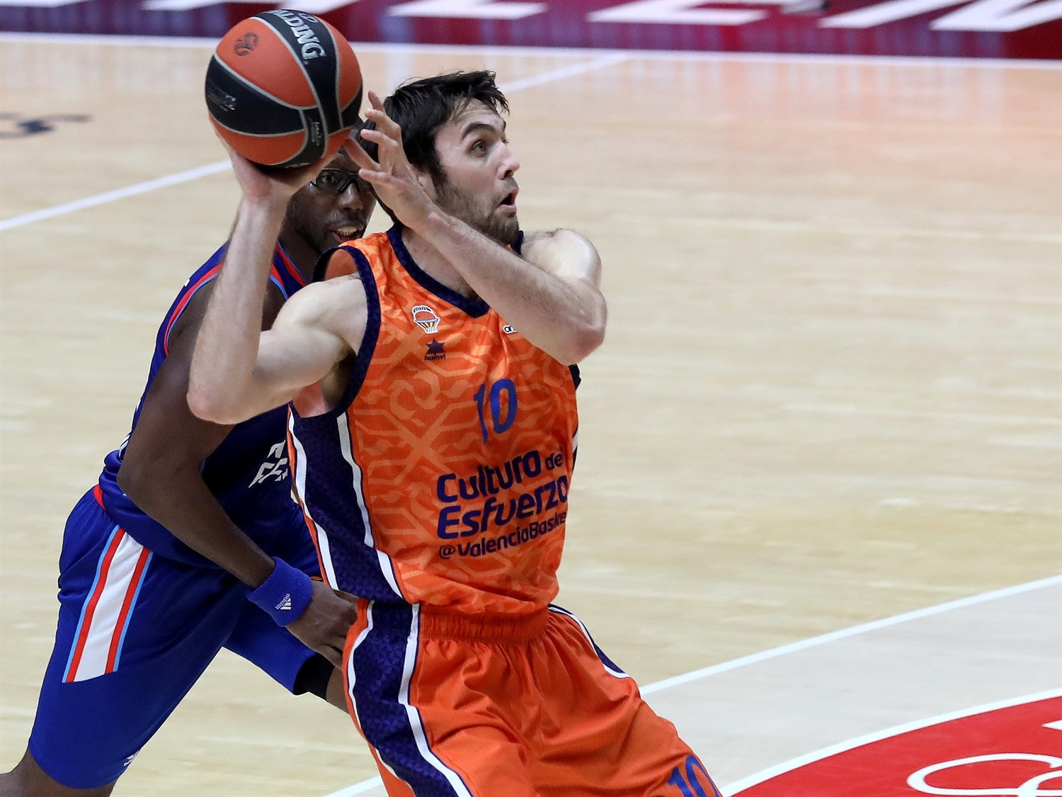 Mike Tobey - Valencia Basket - EB20