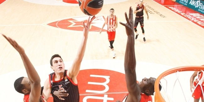 In the Paint | Olympiacos escapes from Belgrade with last-second victory