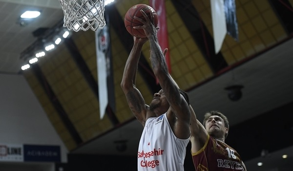 RS10 Report: Jones, Green fire Bahcesehir past Reyer