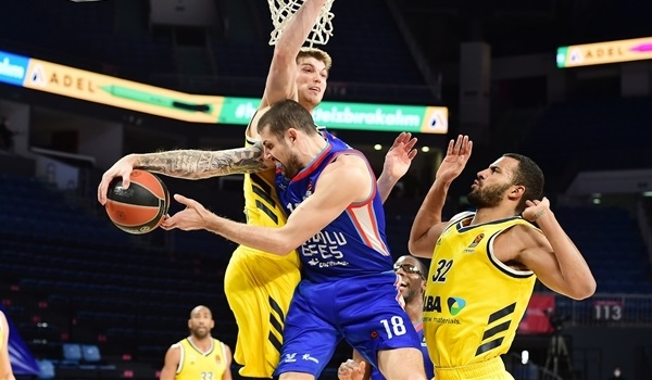RS19 Report: Efes rallies past ALBA, 84-76