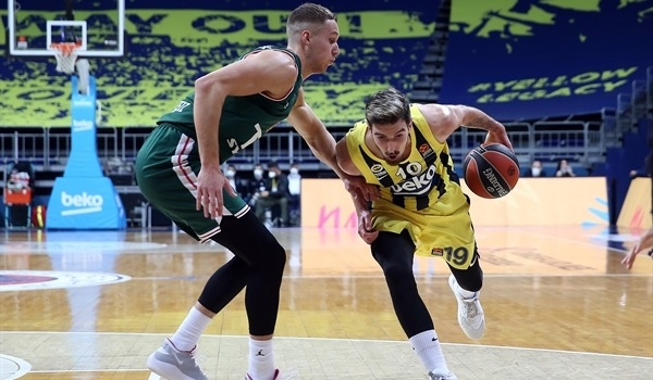 De Colo, Fenerbahce offense clicked on all cylinders