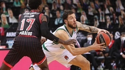 Last-second Walkup wins a thriller for Zalgiris