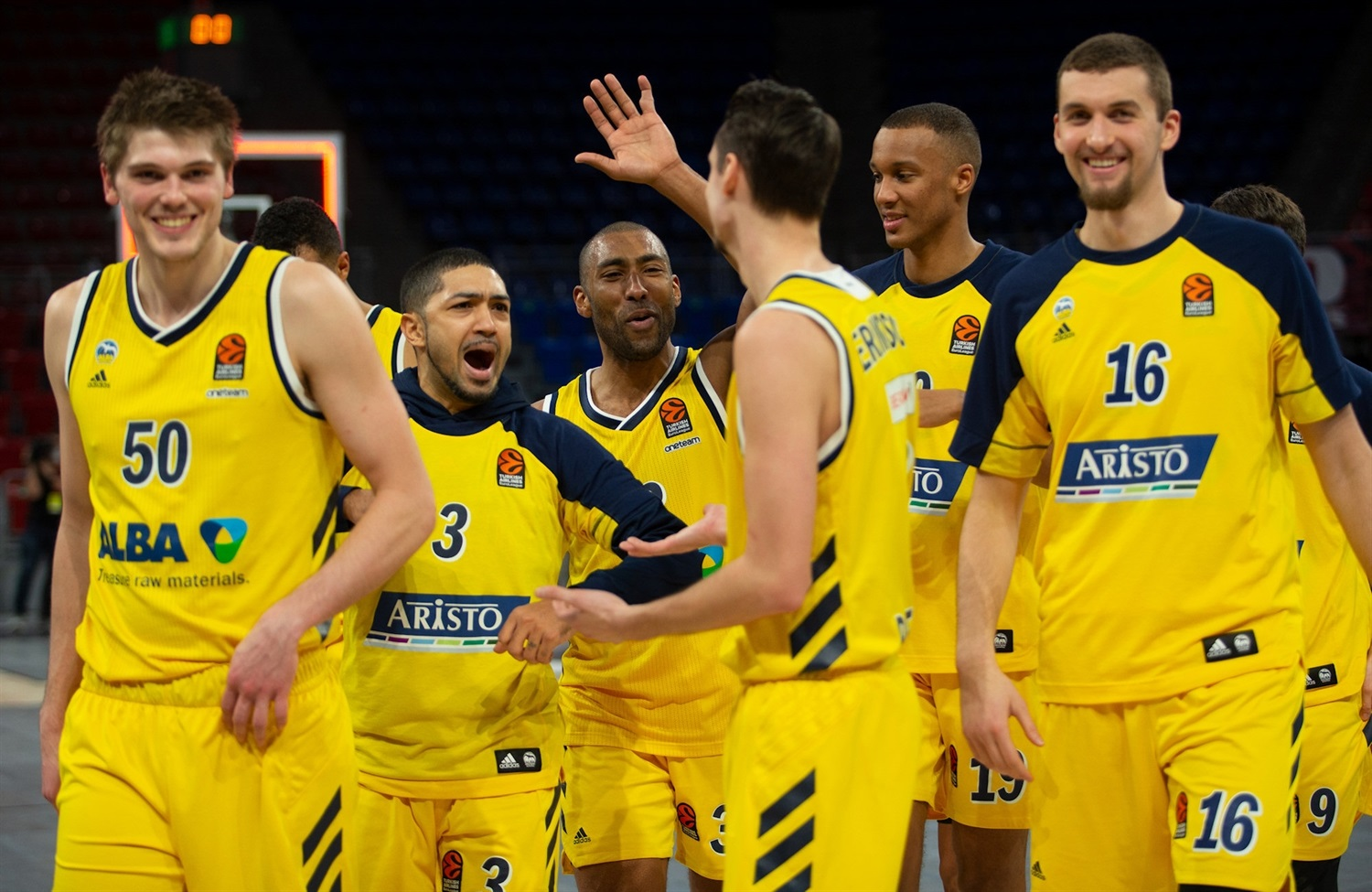 ALBA Berlin celebrates - EB20