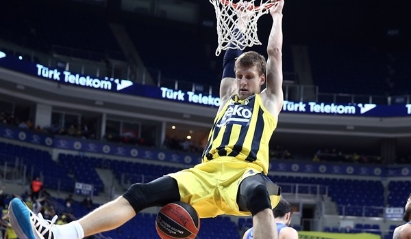 RS22 Report: Fenerbahce dumps Maccabi for 7th straight win