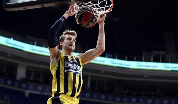 Fenerbahce's Vesely out two weeks
