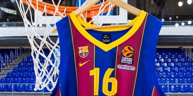 Basketball world celebrates Gasol's Barca return