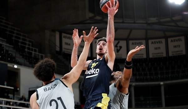 RS28 Report: Fenerbahce rolls on with win at ASVEL