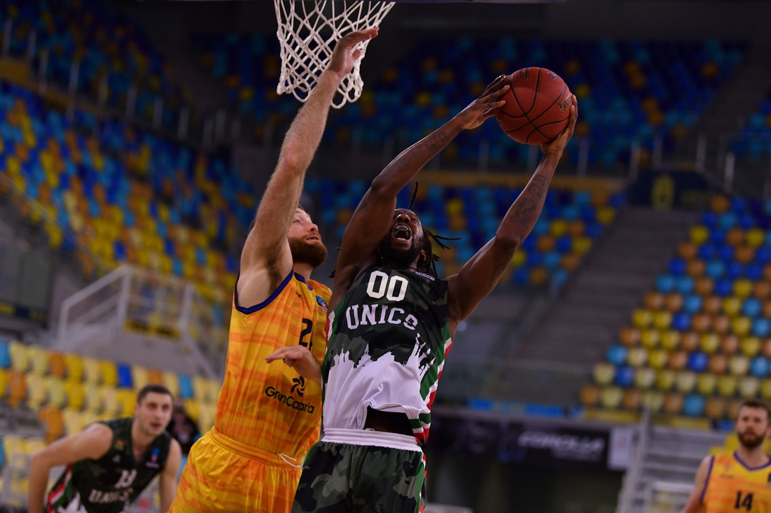 John Brown - UNICS Kazan (photo Fernando Robledano - Gran Canaria) - EC20