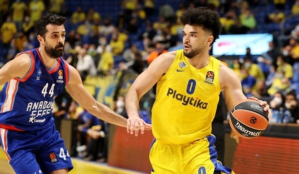 Efes bolsters attack with Bryant