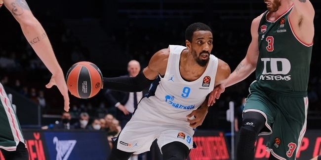 Zvezda adds scoring punch with Hollins