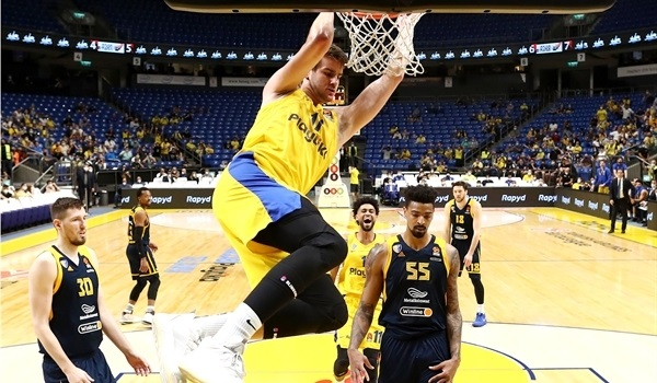 RS24 Report: Maccabi rolls past Khimki in final home game of season