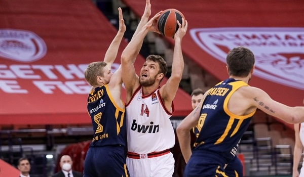 RS34 Report: Olympiacos finishes season with a win