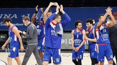 Efes controlled the paint in Game 1
