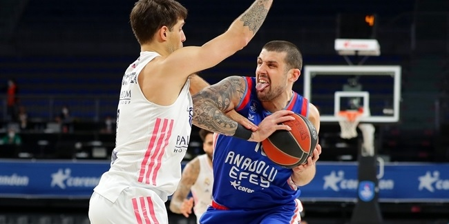 Playoffs Game 2: Anadolu Efes Istanbul vs. Real Madrid