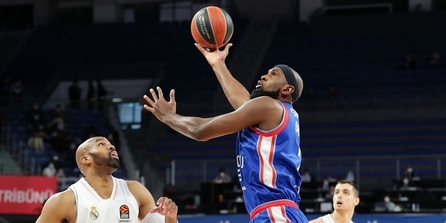 Playoffs Game 5: Anadolu Efes Istanbul vs. Real Madrid