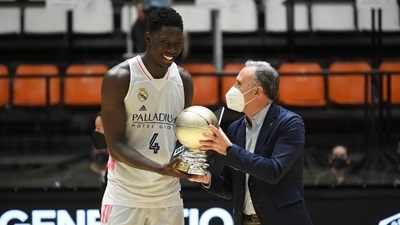 Ndiaye grabs MVP trophy after leading Real to title