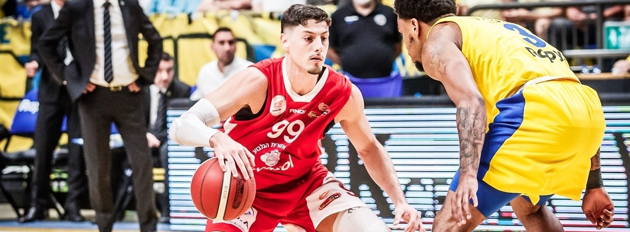 Maccabi signs Ziv at point guard