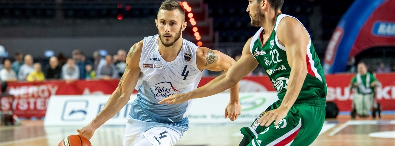 Metropolitans inks shooting weapon Hornsby