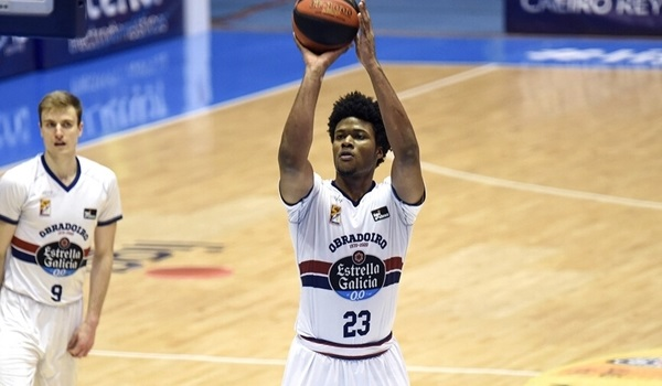 Baskonia bolsters frontcourt with Enoch