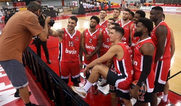 Reds welcome Media Day in Piraeus
