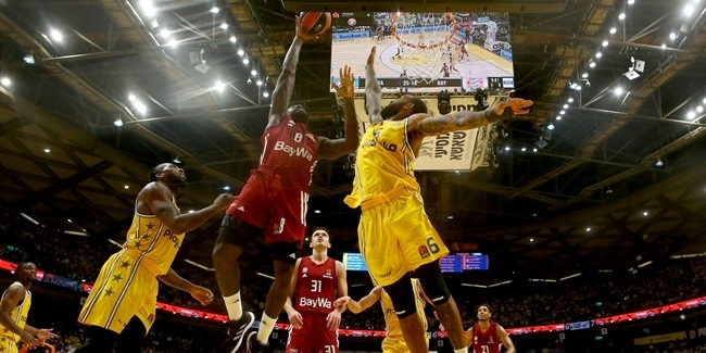 Wilbekin, Maccabi feed off sold-out crowd for thrilling win