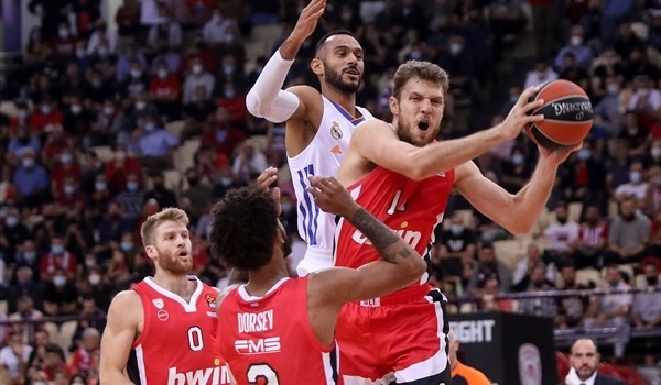 RS2 Report: Olympiacos holds off Real, improves to 2-0