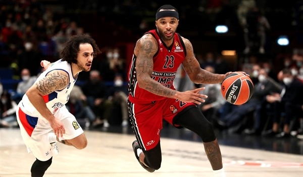 RS4 Report: Milan holds off Efes, improves to 4-0