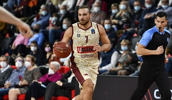 RS 01 report: Reyer holds off Bourg for opening road win