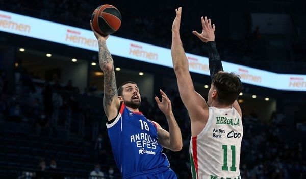 RS5 Report: Moerman leads Efes to first win